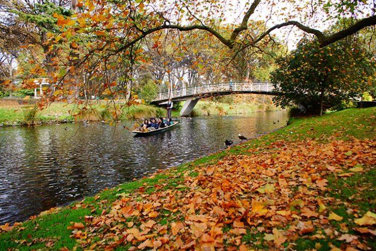 Šetnja uz obalu reke i Hagley Park