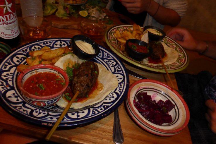 El Bazar Cafe & Restaurant