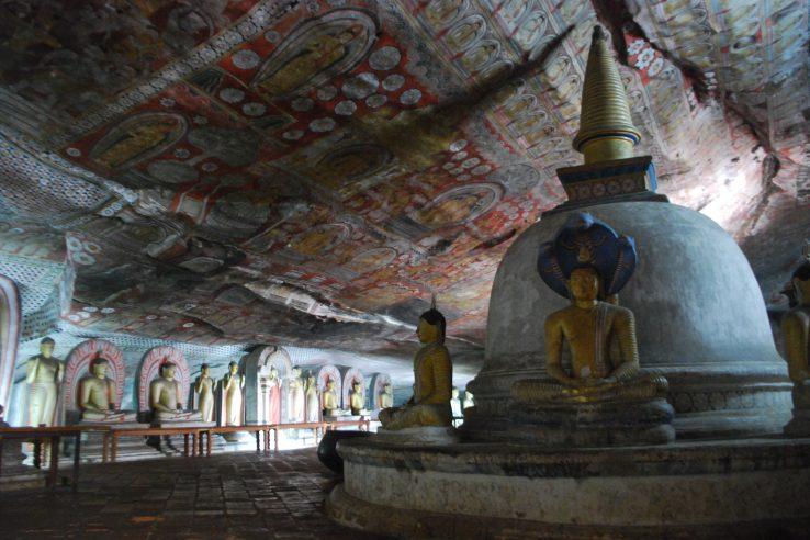 Dambula, pećinski hramovi